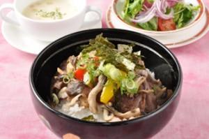 国産牛の洋風ビーフ丼