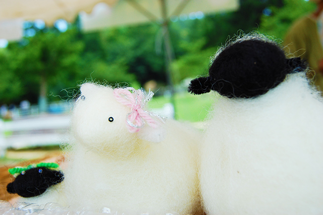 羊のマスコット人形