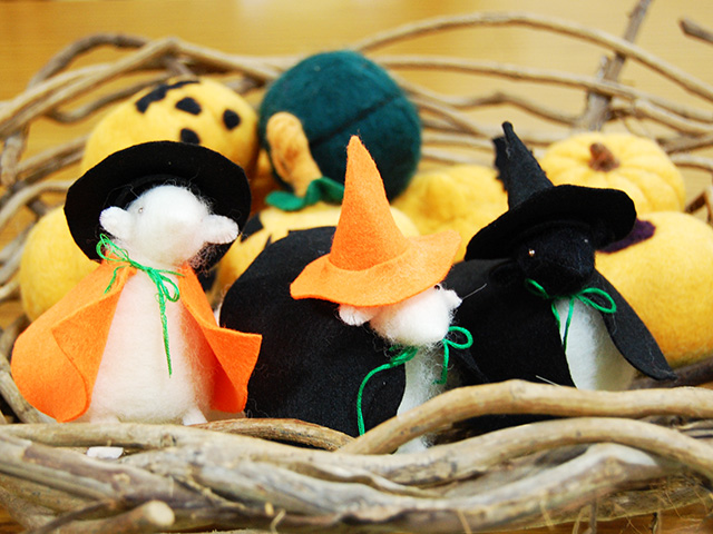 10/10(土)-31(土) 羊のマスコット人形にハロウィンの飾りつけ! 終了